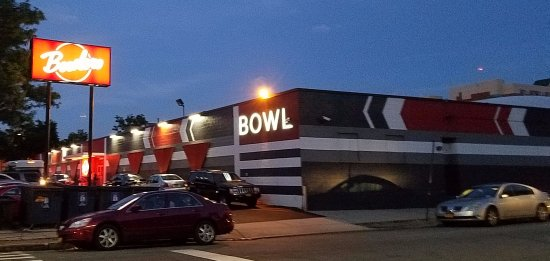 Woodside, NY: the bowling alley
