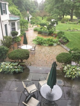 Bristol, RI: We arrived on a rainy day and the view from our room was still beautiful.