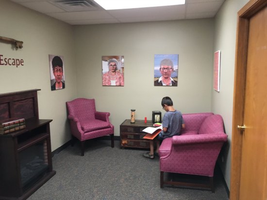 La Grange, IL: The waiting area