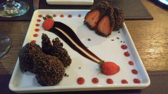 Nova Iguacu, RJ: Morango com chocolate