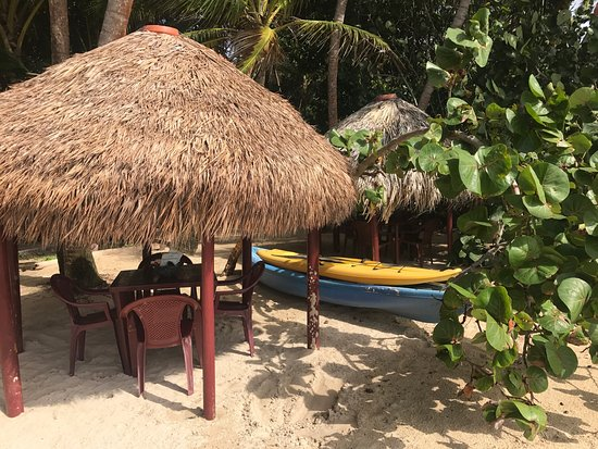 Little Corn Beach and Bungalow 사진