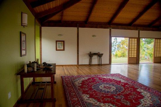 Honomu, HI: Interior of yoga temple