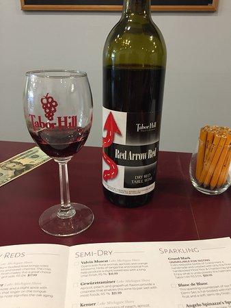 Saugatuck, MI: Tabor Hill's wine tasting
