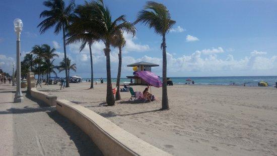 Paradise Oceanfront Hotel: 20170701_102422_large.jpg