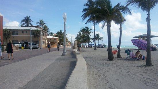 Paradise Oceanfront Hotel: 20170701_102437_large.jpg
