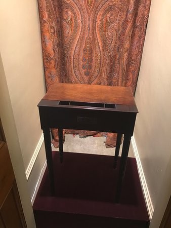 Auburn, NY: Desk from the Federal Hall in NYC
