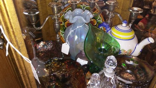 Maryville, TN: booth of fine glass ware lots of fenton roseville  Good Glass thoughout the shop
