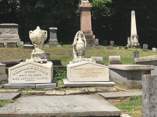 Auburn, Estado de Nueva York: Secretary and Mrs. Seward's graves