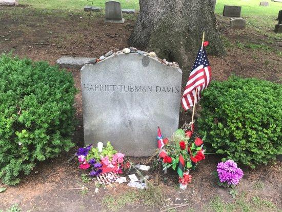 Auburn, Nova York: Ms. Tubman's grave