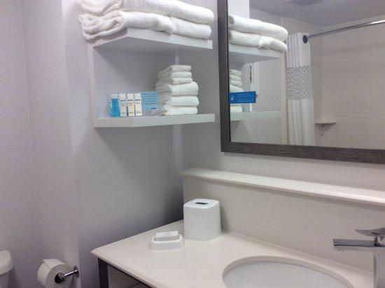 Absecon, NJ: They provide Neutrogena toiletries.