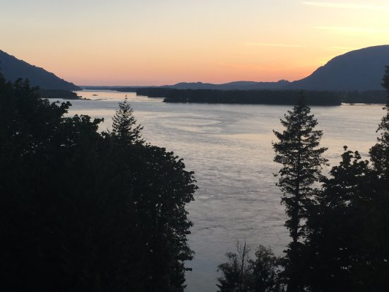 The Fraser River's Edge Bed & Breakfast Lodge: from the deck