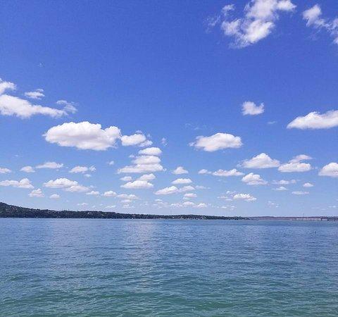 Lago Vista, TX: Travis Lake at Hippie Hollow