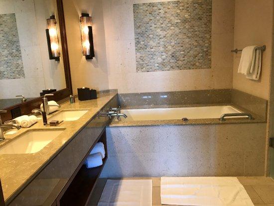 The Ritz-Carlton, Dove Mountain: photo1.jpg