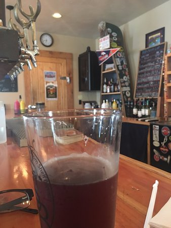 Bottom Shelf Brewery : Still life with red ale and beer taps