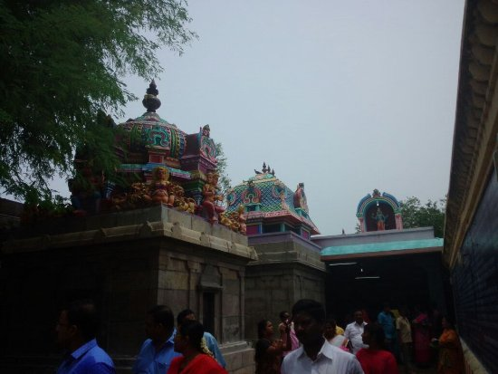 Velankanni, India: Temple Kalash