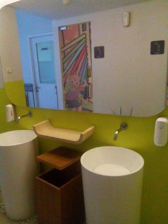 toilet lobby