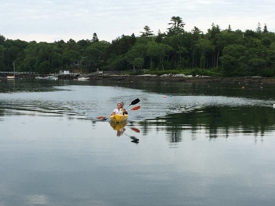 Ocean Gate Resort: Kayaking in front of Ocean Gate