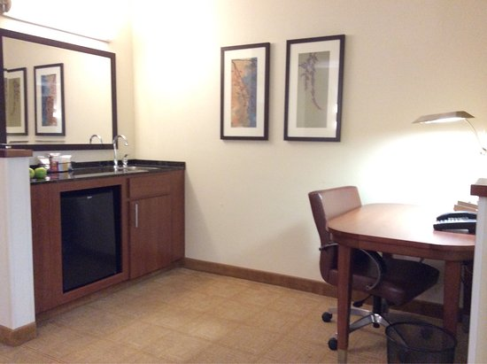 Hyatt Place Indianapolis Airport: photo1.jpg