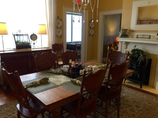 Shelbyville, TN: The main dining room table