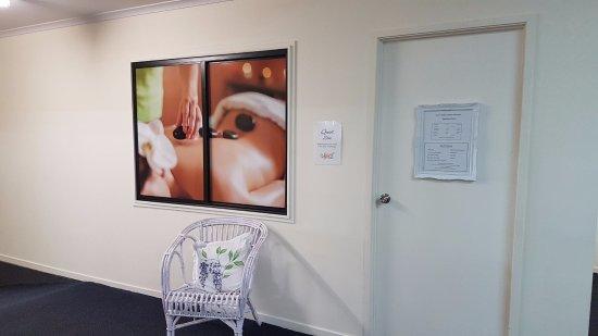 Biloela, Australia: The resident beautican... Karen Holden Beauty Therapist.  Find her on Facebook...