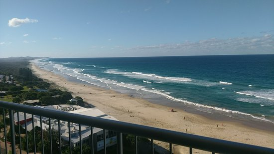 Coolum Beach, Australia: View to the north from 11th floor.