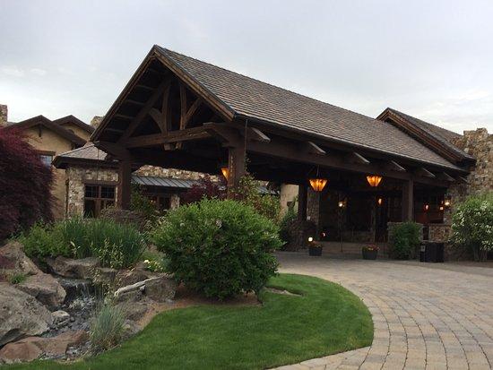The main entrance at Pronghorn Resort
