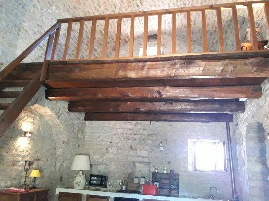Castello Valenzino: 20170706_114903_large.jpg