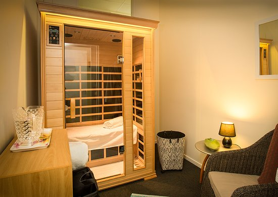 far infrared sauna private room ideal with massage or on its own