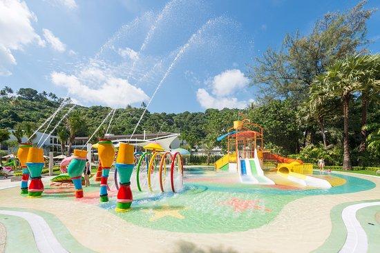 Katathani Et Beach Resort Aqua Play Zone