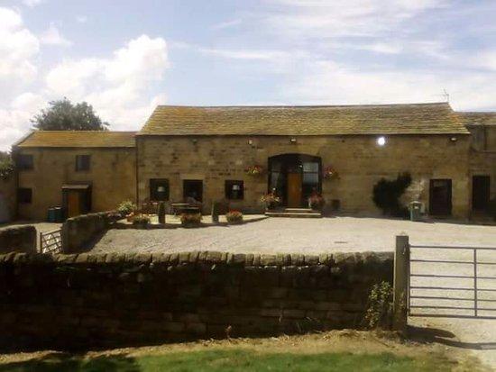 Eric 39 s house picture of emmerdale village tour leeds for Wallpaper emmerdale home farm