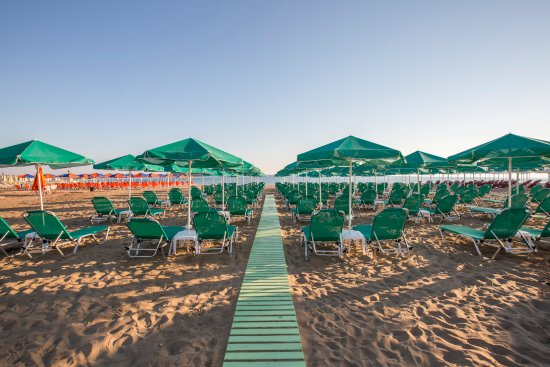 Bio Suites Hotel: BIO Beach. A sandy beach 50 meters from hotel