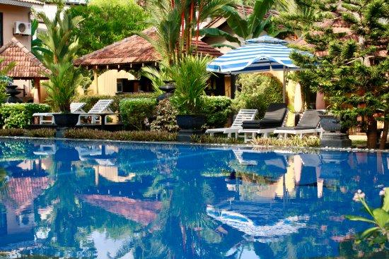Flower Garden Hotel: Time for reflection