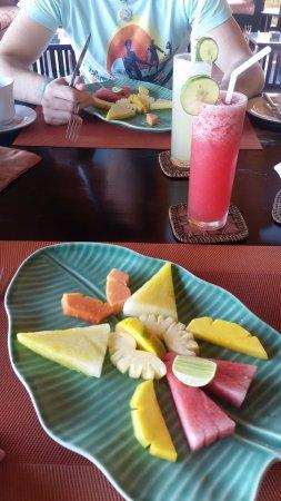 Puri Mangga Sea View Resort & Spa: Frühstück - sooo lecker