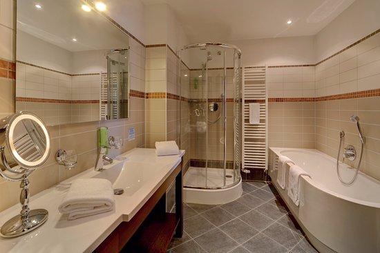 Hotel Haidmuehler Hof: Badezimmer   Suite