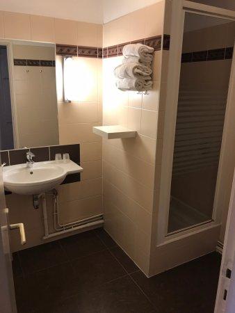 Best Western Hotel Eiffel Cambronne: La ducha es lo mejor que tiene :)
