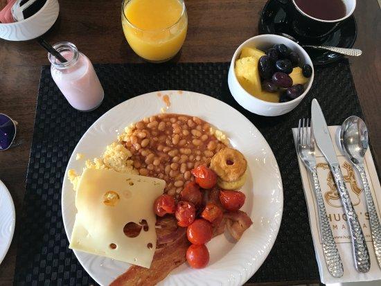 Breakfast picture of hugo 39 s boutique hotel saint julian for Design boutique hotel malta
