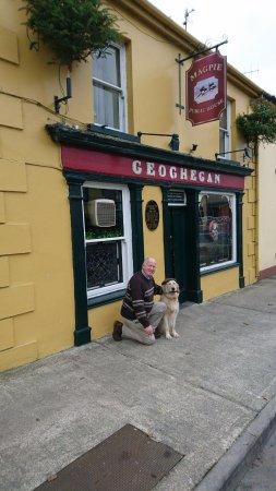 Glin, Irland: Geoghegans Magpie Bar and Accommodation