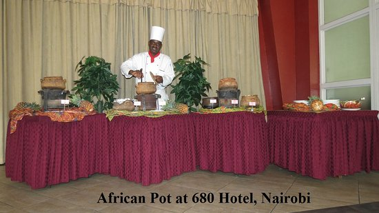 Sentrim 680 Hotel: Every week day we have a delicious buffet. Dinner you choose from our large menue variety. Welco