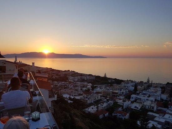 Cosmos: Bedre solnedgang fåes ikke , selv ikke i Chania havn