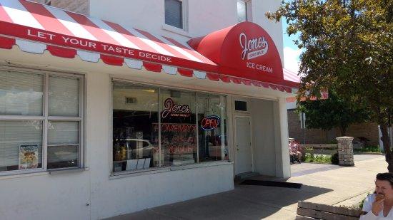 Baldwin, MI: Jones Homemade Ice Cream