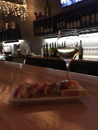 Culver City, كاليفورنيا: SCAMPI DIAVOLA acompanhado do vinho da casa