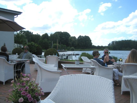 Bosau, Alemania: Terrasse mit Blick auf den See