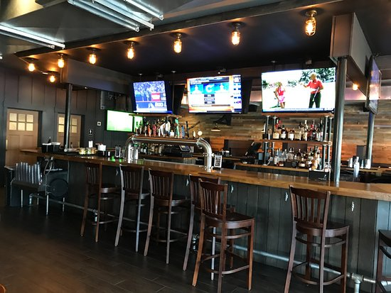Ocean Gate, NJ : TV bar area