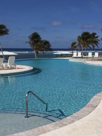 Cayman Brac Beach Resort: The pool was a great place to chill at the end of the day