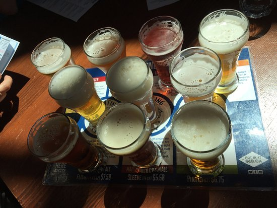 Granville Island Brewing: Flight of 10 in house brewed beers.