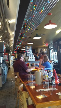 Christiansburg, VA: Funky decor a bar where the Waffle house counter used to be.