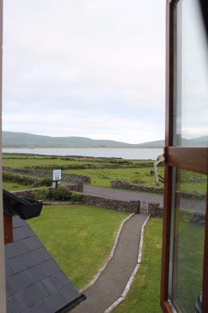 Ballydavid, ไอร์แลนด์: Second floor view-- beautiful clear day!