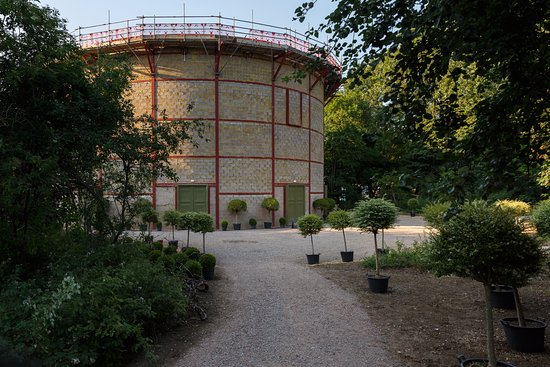 Grange Park Opera - Theatre in the Woods