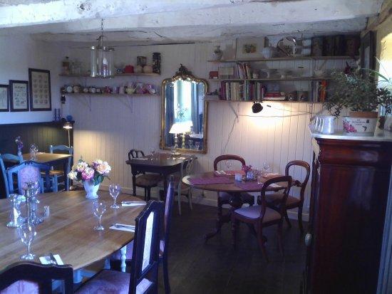 Mauzens-et-Miremont, France: sallle de restaurant