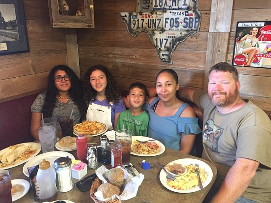 Andy's Kitchen: Andy's is a wonderful breakfast-lunch restaurant- great food, fair prices, attentive staff! A pe